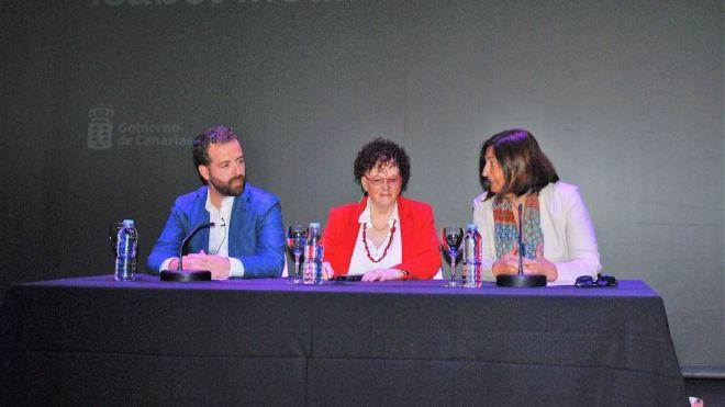 Emotivo reconocimiento a Isabel Medina en el Día de las Escritoras