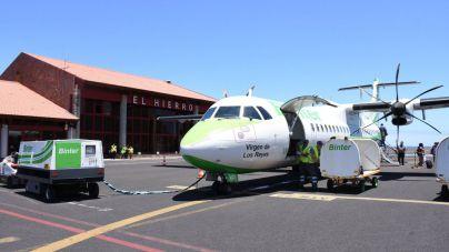 Cabildo y Binter buscarán soluciones a las plazas aéreas en los traslados sanitarios