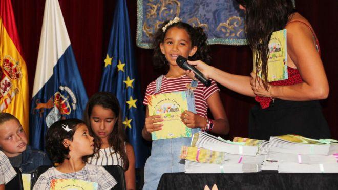 Yaiza publica un nuevo libro escrito e ilustrado por niñ@s del municipio