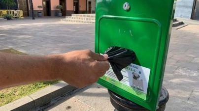 Arona instala dispensadores de bolsas para mascotas en todo el municipio
