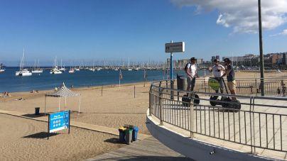 El Ayuntamiento reabre la playa de Las Alcaravaneras al baño