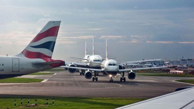Más de 26.000 vuelos pasarán por los aeropuertos españoles durante el puente de Todos los Santos
