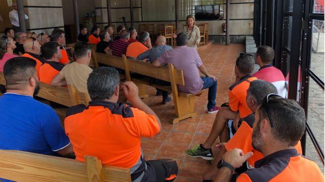 Oramas renueva el compromiso de los nacionalistas canarios con el sector de la estiba