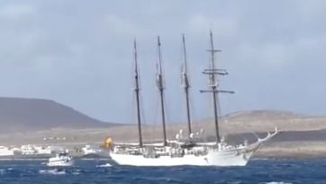 Día histórico en La Graciosa con la primera escala de el Juan Sebastián Elcano en la Isla