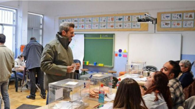 La participación cae más de 6 puntos en Canarias a las 17 horas, hasta el 44,35%