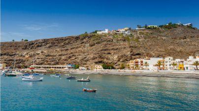 Turismo invierte 400.000 euros en obras de mejora de la avenida marítima de Playa Santiago