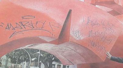 El Proteu de la Policía Local sorprende 'in fraganti' a un grafitero en las Ramblas