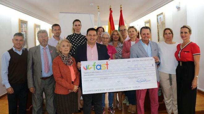 La X Gala Solidaria del FAST recauda 15.000 euros para la lucha contra el cáncer de mama