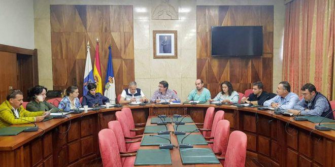 El Cabildo reúne a los 14 ayuntamientos para dar un nuevo impulso al sector primario