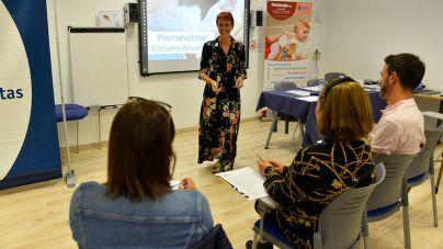 Los fisioterapeutas organizan un taller para familias con motivo del Día Mundial del Niño Prematuro