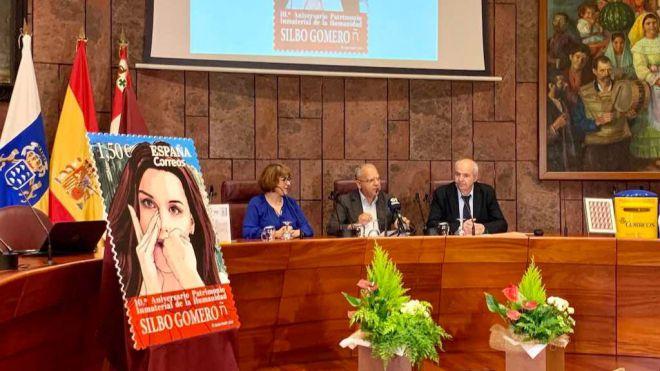 Un nuevo sello del Silbo Gomero recorre España de la mano de Correos