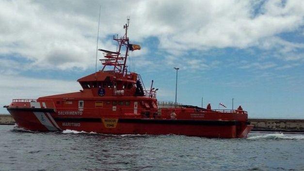 Llegan al puerto de Arguineguín los 88 ocupantes de tres pateras localizadas al suroeste de Gran Canaria