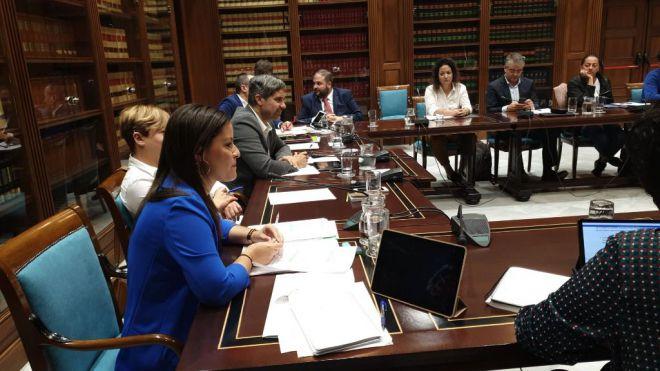 Yaiza Castilla presenta un paquete de incentivos al turismo