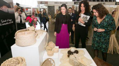 Yaiza Castilla anuncia la creación de una nueva estrategia de desarrollo económico de la artesanía canaria