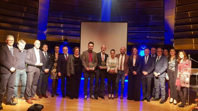 El consejero insular de Turismo entrega el premio del CIT Puerto de la Cruz a Visión Azul