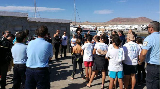Retiran 220 kilos de residuos de los fondos marinos de Caleta de Sebo, en La Graciosa