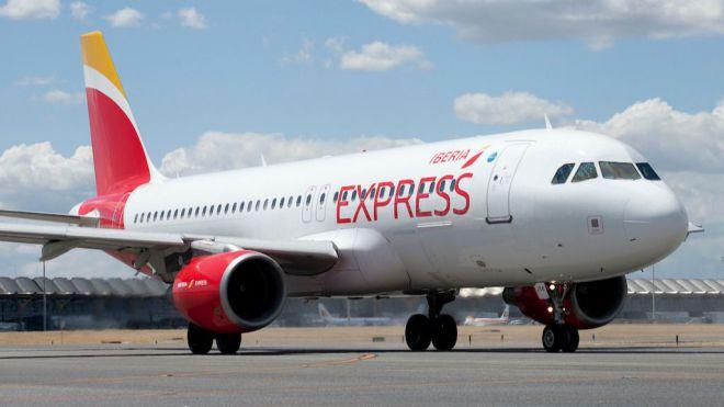 Iberia Express refuerza la conexión entre madrid y canarias estas navidades