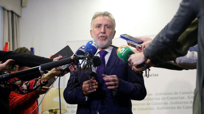 Torres traslada a Sánchez que para Canarias es vital que haya investidura cuanto antes