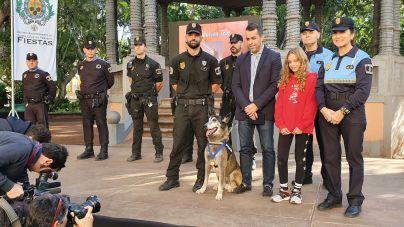 Se jubila, con diez años de edad, el agente canino 'Troy' de la Policía Local