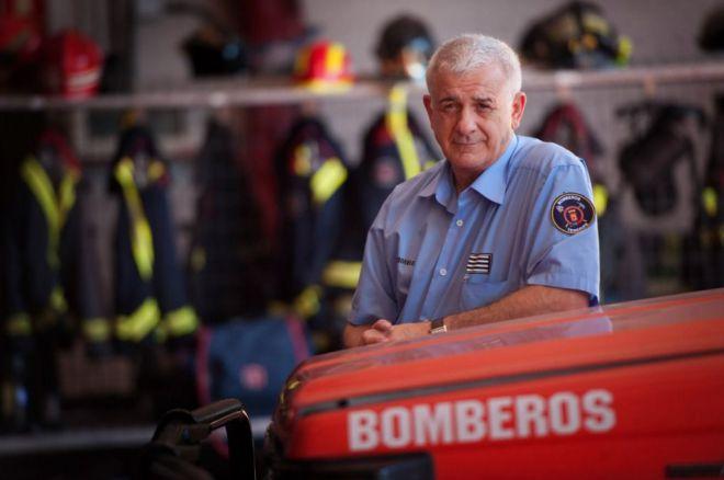 Bomberos de Tenerife homenajea a su oficial jefe, Salvador Reyes