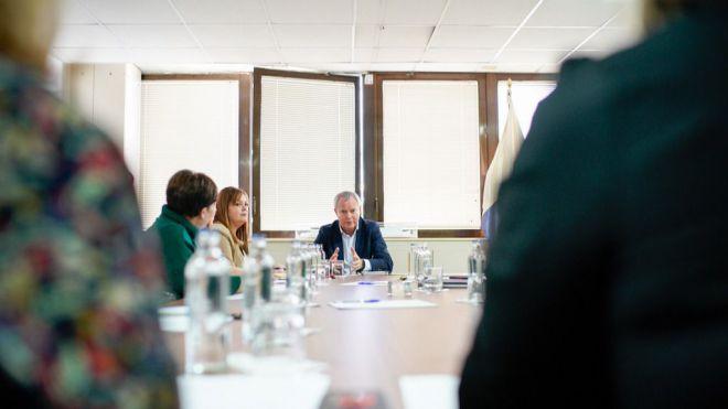 Franquis implica a los colectivos sociales en la elaboración del Pacto por una Vivienda Digna en Canarias