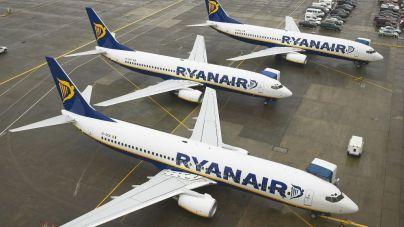 Ryanair consuma el cierre de bases en Canarias en una jornada 'caótica'