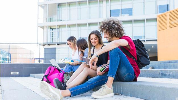 El Gobierno canario publica la primera relación definitiva de becas para estudios universitarios por 3,4 millones