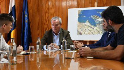 Franquis convoca a Puertos Canarios para iniciar el proceso de resolución de la ampliación del muelle de Agaete