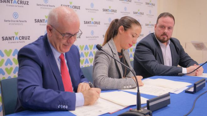 Santa Cruz y RTVE firman el convenio de colaboración para retransmitir los actos del Carnaval 2020