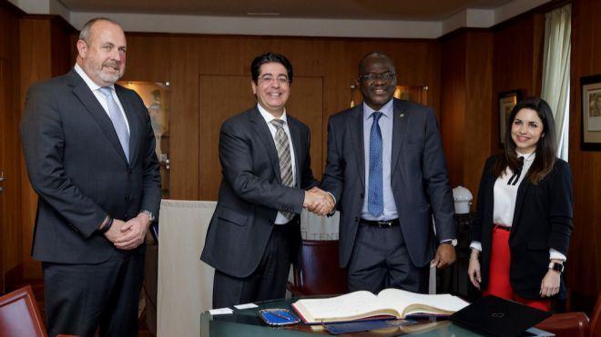 Pedro Martín se reúne con el ministro mauritano de Tecnologías para abrir vías de cooperación