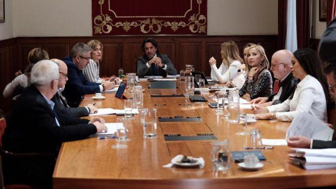 """Los grupos parlamentarios comenzarán """"cuanto antes"""" a trabajar en la nueva ley electoral"""