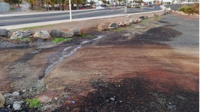 Cs urge a solucionar de una vez por todas los constantes vertidos de aguas fecales en Playa Blanca