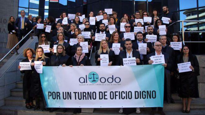 El ICATF se suma a la concentración en defensa de la dignidad del Turno de Oficio