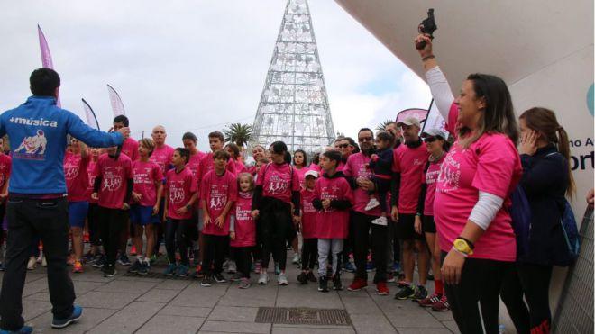 La Carrera Solidaria de la Mujer reúne a 2.300 participantes, estableciendo un nuevo récord de asistencia