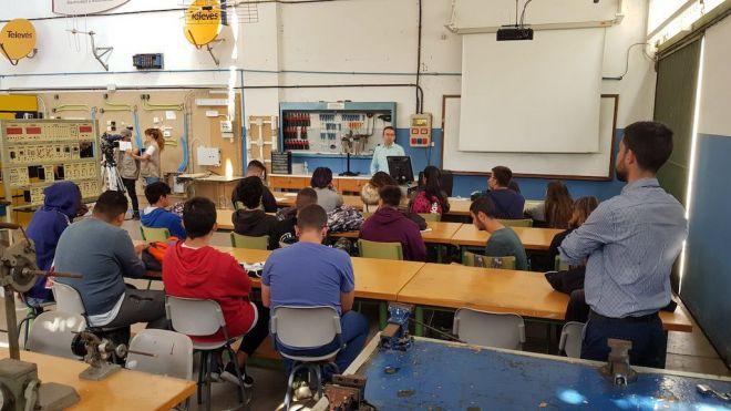 ANPE Canarias exige a Educación que permita al profesorado de FP formarse durante su jornada laboral