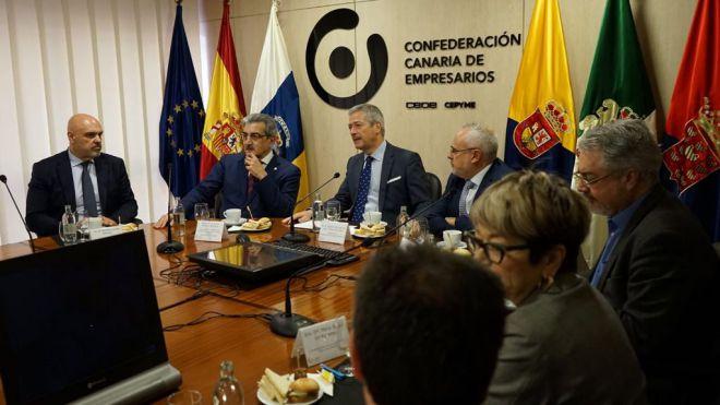 """Rodríguez: """"Hay que generar complicidades entre instituciones y agentes sociales para que crezcan la economía"""""""