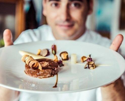 Hecansa organiza unas jornadas formativas gastronómicas con el chef gomero estrella Michelin Miguel Navarro