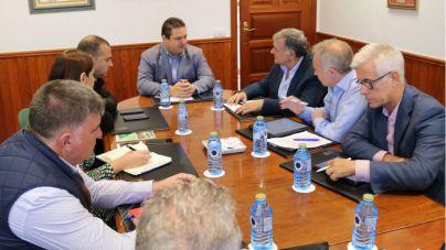 Arona y Puertos crean la primera comisión conjunta para coordinar la actividad del muelle de Los Cristianos