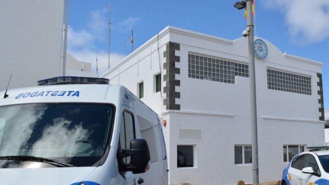 Cuatro agentes resultan heridos de distinta gravedad cuando trataban de reducir a un varón en un apartamento de Puerto del Carmen