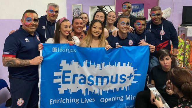 El Carnaval se convierte en parte de la formación de estudiantes de arte irlandeses Erasmus en Tenerife
