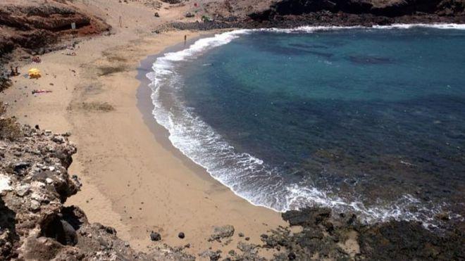 Una encuesta ciudadana decidirá si Aguadulce se convierte en playa nudista