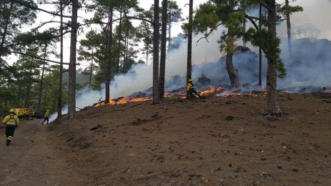 500 personas regresan a casa tras las evacuaciones por el fuego en Tasarte