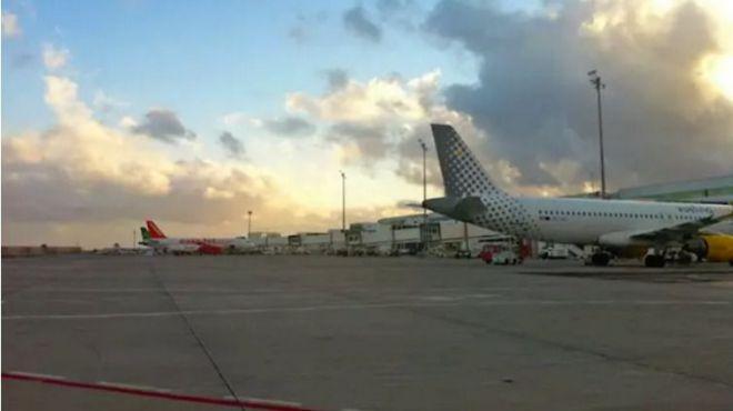 Los aeropuertos canarios operan con normalidad y sin restricciones, con casi 1.200 operaciones