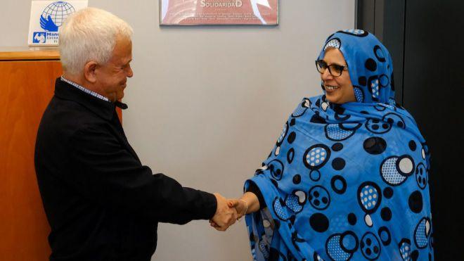 La ministra de Cooperación saharaui realiza su primera visita oficial en el extranjero