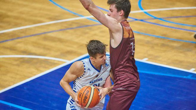 El RC Náutico vence en Madrid a Zentro Basket
