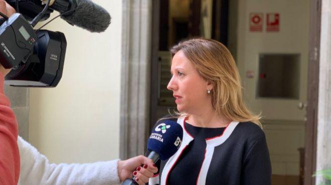 Rosa Dávila exige que Canarias esté exenta del impuesto al transporte aéreo que plantea el Estado