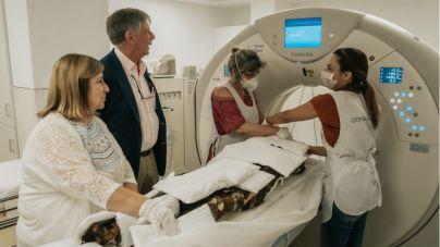 Una veintena de momias guanches del MUNA se someten a nuevas tecnologías de imagen médica