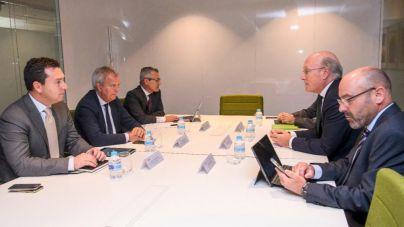 Franquis comunica a la dirección de AENA el objetivo de negociar con el Estado la entrada de la Comunidad Autónoma