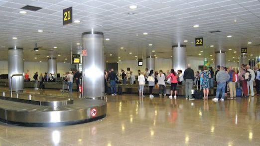 Los pasajeros en los aeropuertos de Canarias crecen un 1,4% en febrero, hasta 3,36 millones