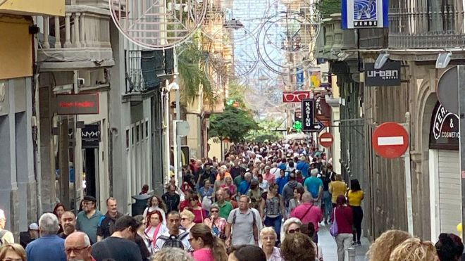 Canarias y Baleares sufrirán la mayor caída económica de todas las comunidades por el Covid19